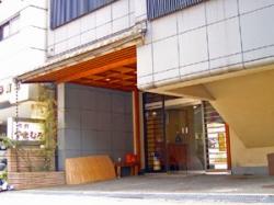 金沢旅館の外観